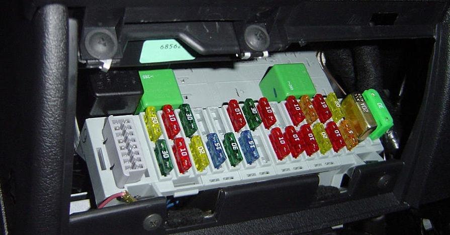 Wiring a dash cam through the fusebox